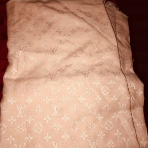 Light Shawl Pink Louis Vuitton Scarf